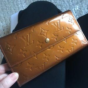 AUTHENTIC LOUIS VUITTON Vernis Logo Bronze Wallet